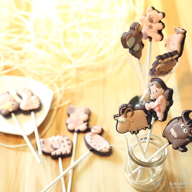 厂家直销卡通巧克力棒棒糖休闲食品零食糖果纯手工40支起发