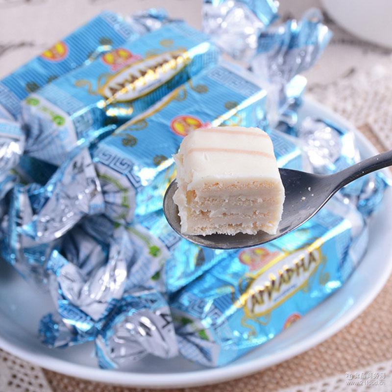 巧克力夹心威化糖批发 批发供应威化糖 休闲零食批发喜糖奶糖
