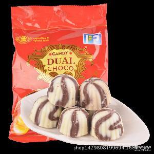 花生味夹心巧克力 全网热销 休闲零食 创意婚庆糖果批发 源源成