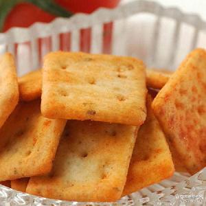 焙烤型膨化食品 泡吧小脆 散称薯片 旅游办公休闲食品