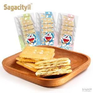 热销尚贤哆啦A梦牛轧饼干盒装海苔蔓越莓味夹心饼休闲食品批发