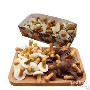 俄罗斯进口休闲零食品蘑菇力白黑巧克力饼干250克12包/箱