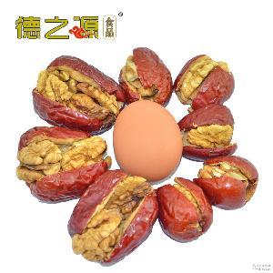 新疆枣王超大 枣核桃一件代发招代理 红枣夹核桃 夹心核桃枣