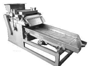 厂家直销坚果类切碎机花生破碎机商用直刀切碎机定制