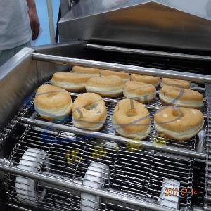 优品电加热甜甜圈油炸机 汉堡面包油炸机 炸面包片流水线