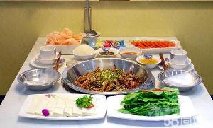 张厨鸭爪爪特色干锅加盟费用多少钱