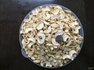 一桶22斤 越南生腰果仁 专业经销批发腰果 肉白开片