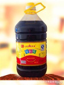 供应调料厂家直销酿造酱油5升味极鲜酱油鲜味可口餐饮调料