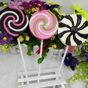 35克大风车系列七彩巧克力糖批发 七彩糖零食批发 糖果巧克力卡通