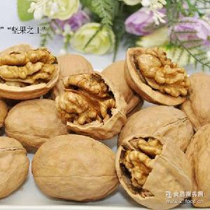 休闲小零食品箱批厂家直销 核桃阿克苏核桃纸皮核桃 新疆美味坚果