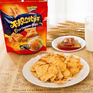 24包/件 驚奇脆片蘇打膨化食品休閑零食批發 味之旅不規則餅干
