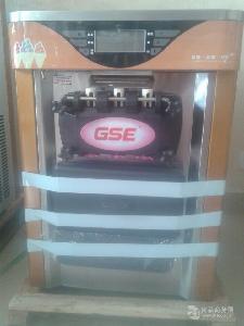 衡水台式冰激凌机 立式冰淇淋机冒烟冰激凌机果汁机炒冰机