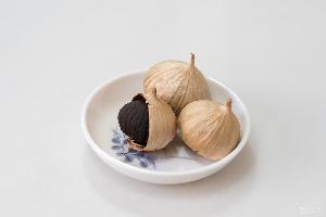 百益坊獨頭黑蒜發酵黑大蒜發酵獨頭黑蒜廠家直銷質量保證