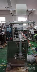 上海钦典包装机厂家供应:立式液体包装机、泡泡液包装机